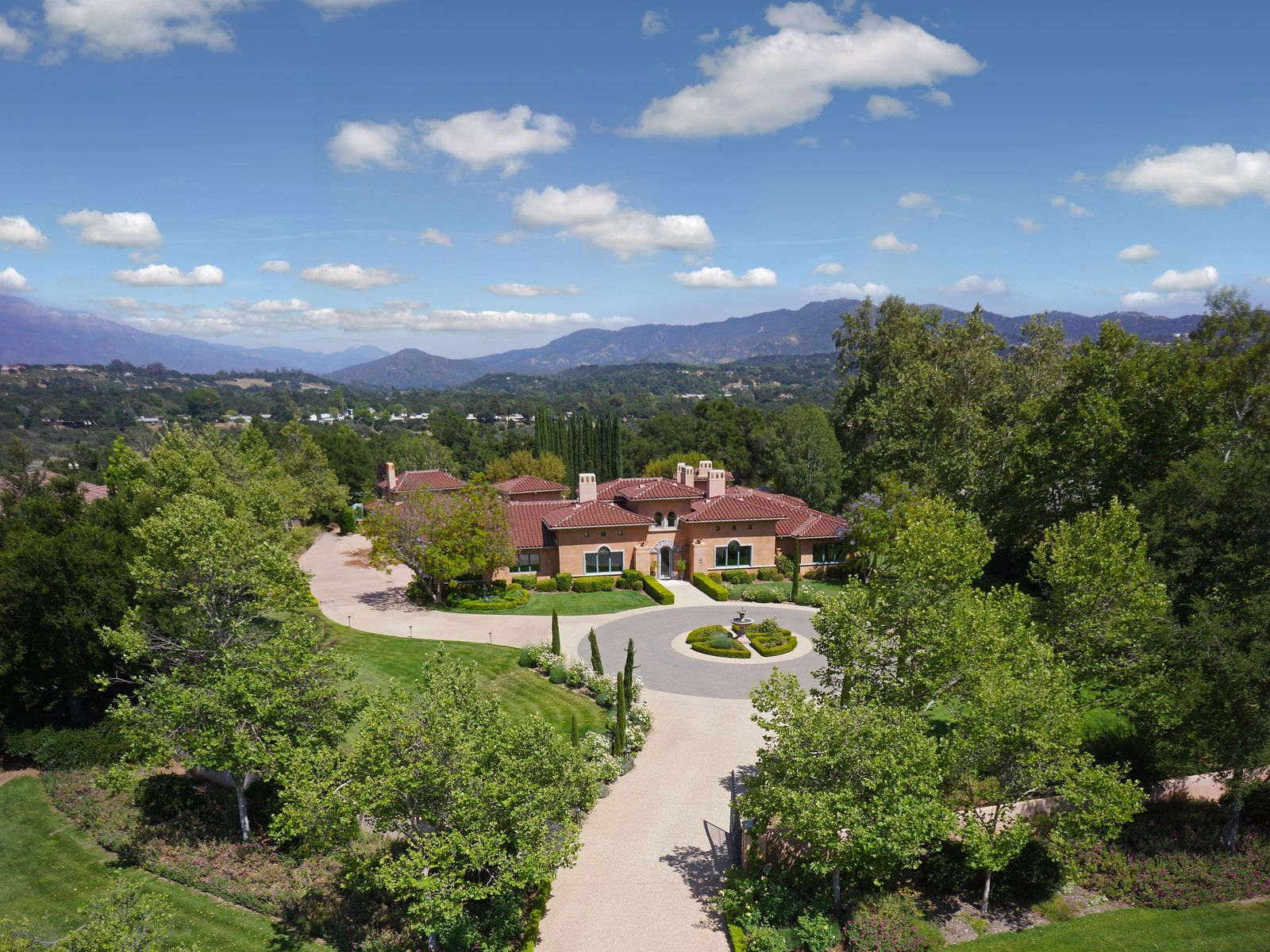 Exquisite Italian-style Estate, Ojai CA Single Family Home - Ventura Real Estate