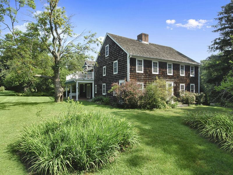 Renovated 1740's Federal Farmhouse