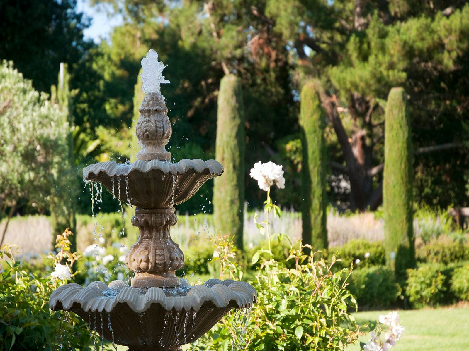 Limestone lion fountains plus 3 more fountains