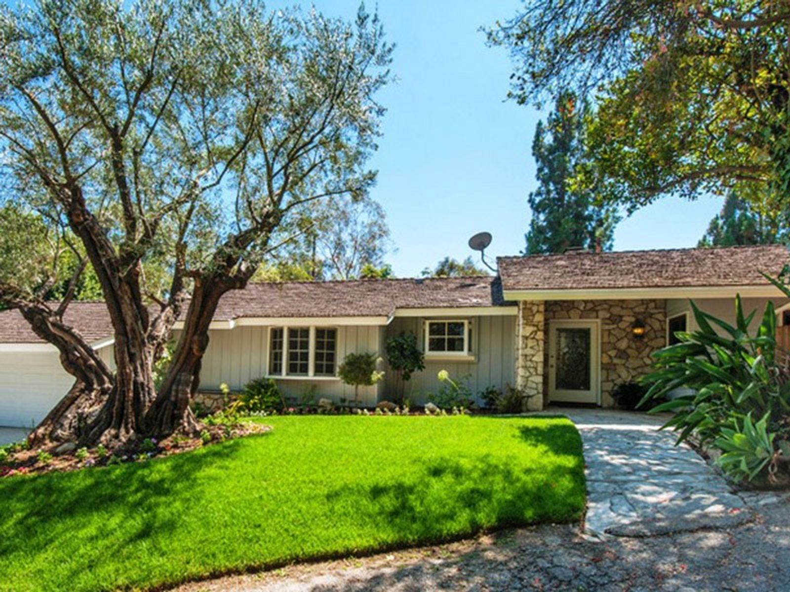 Studio City Celebrity Neighborhood, Studio City CA Single Family Home - Los Angeles Real Estate