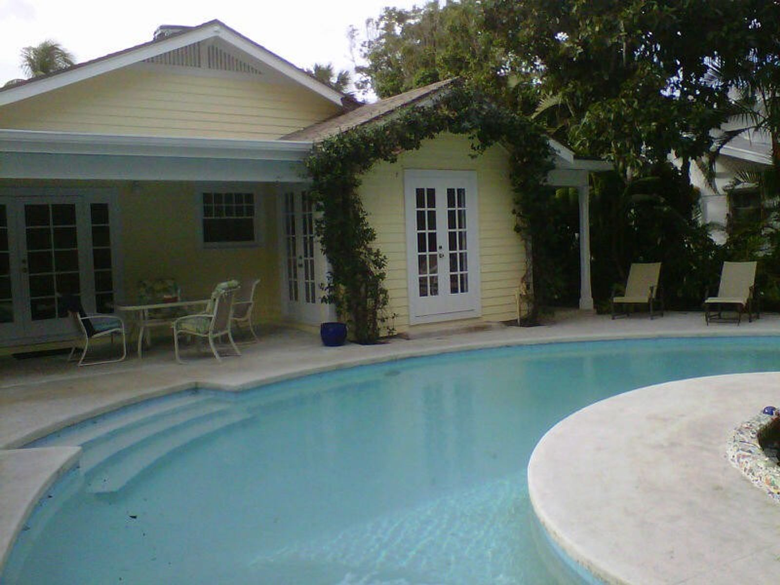 Charming Florida Style Beach House, Palm Beach FL Single Family Home - Palm Beach Real Estate