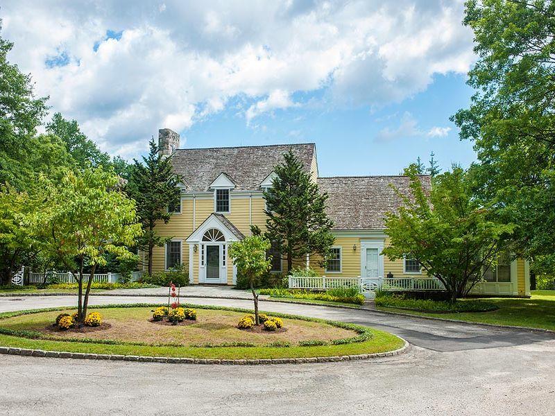 27± acre Round Hill Lakefront Estate