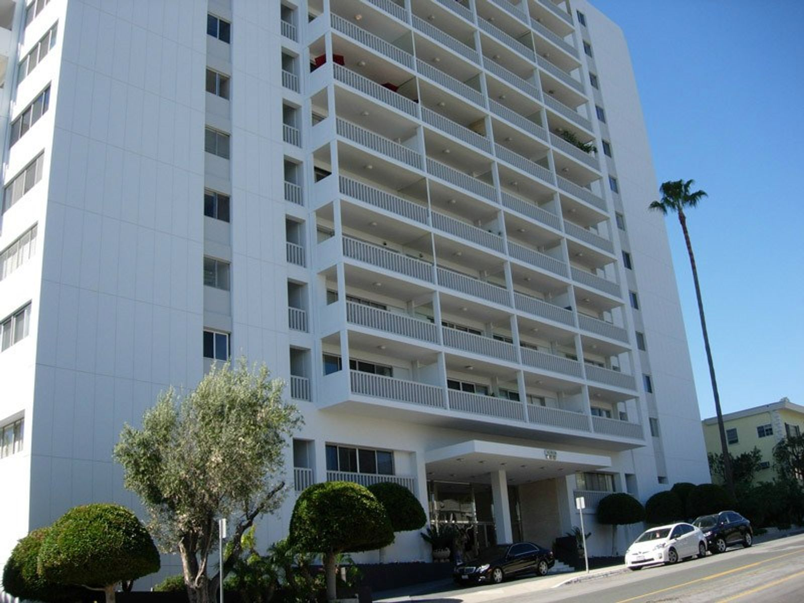 Live the Life of Luxury, West Hollywood CA Condominium - Los Angeles Real Estate
