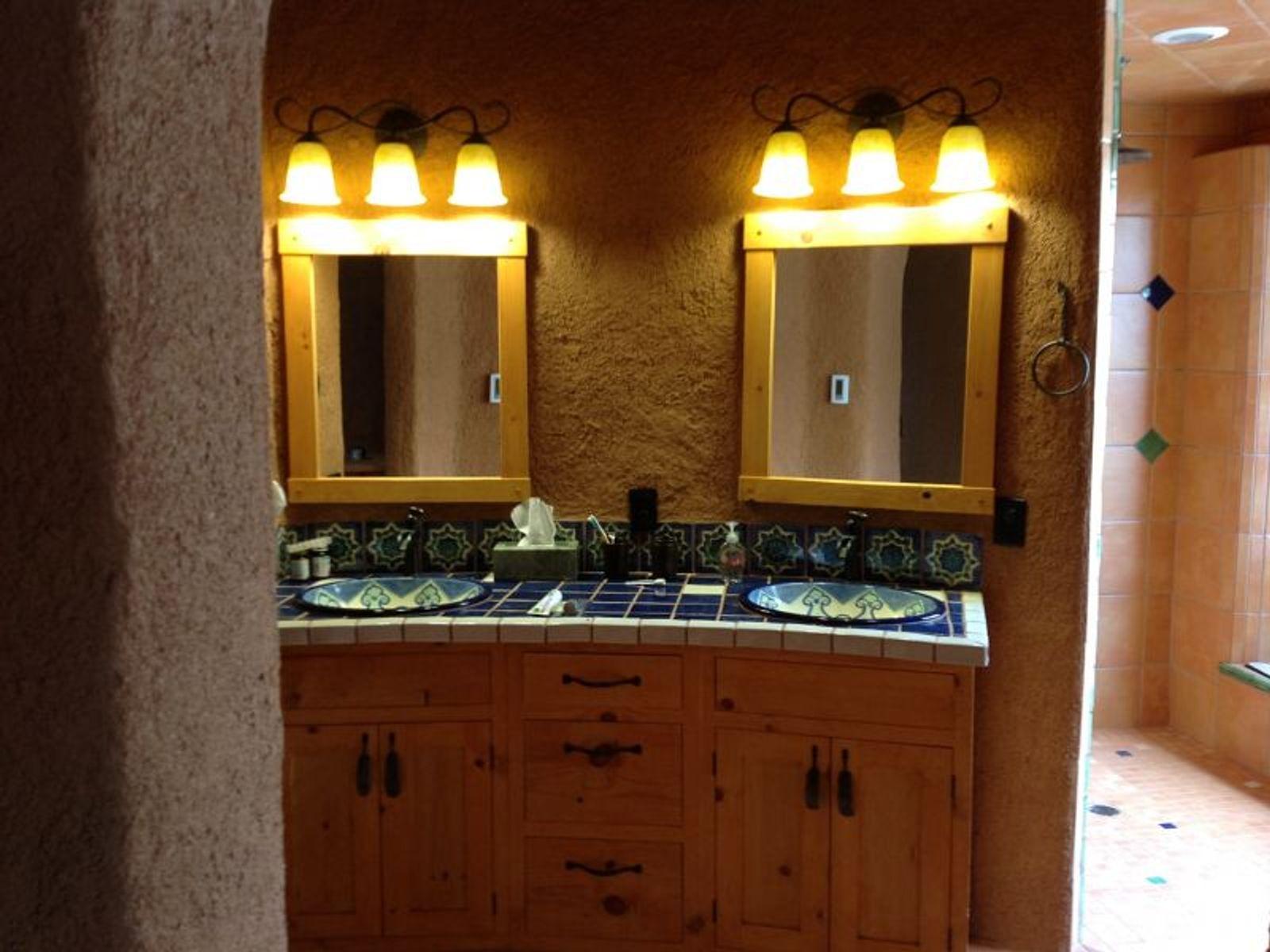 Main House: Master Bathroom