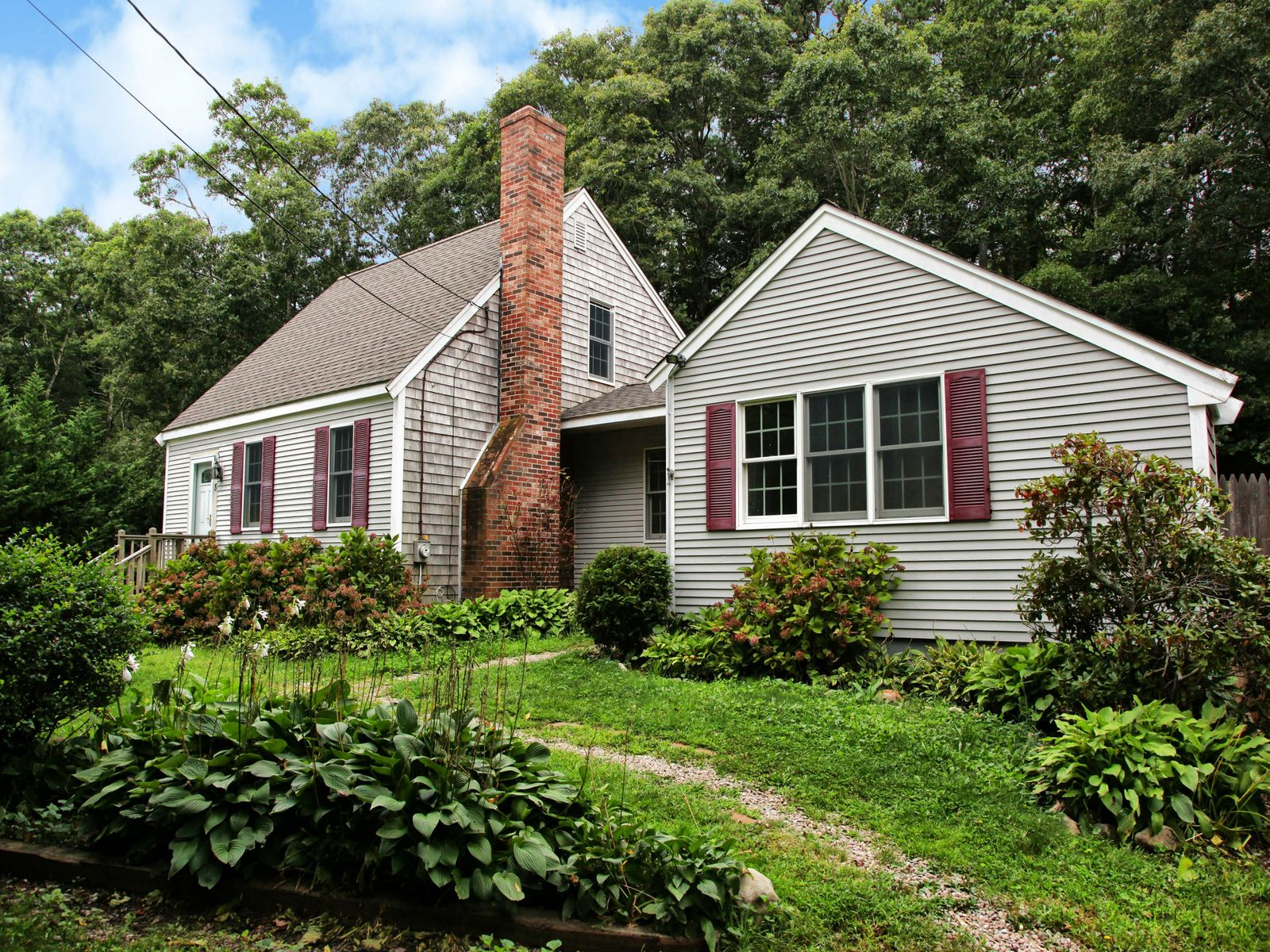 Cape Cod Gem, Marstons Mills MA Single Family Home - Cape Cod Real Estate