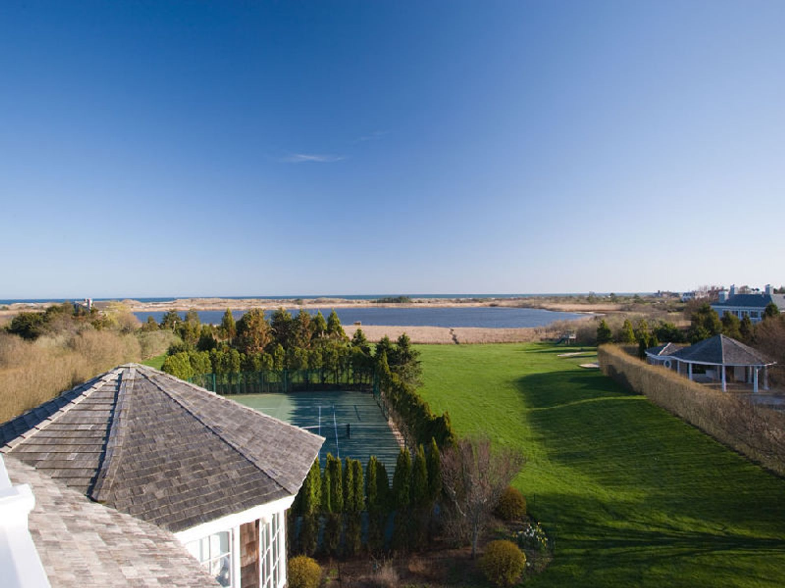 Gorgeous Waterfront in Fordune