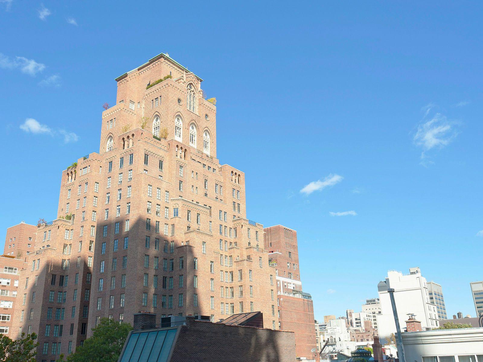 156 East 62nd Street