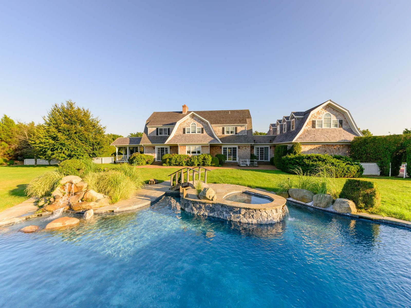 Watermill South Private Ocean Access, Southampton NY Single Family Home - Hamptons Real Estate