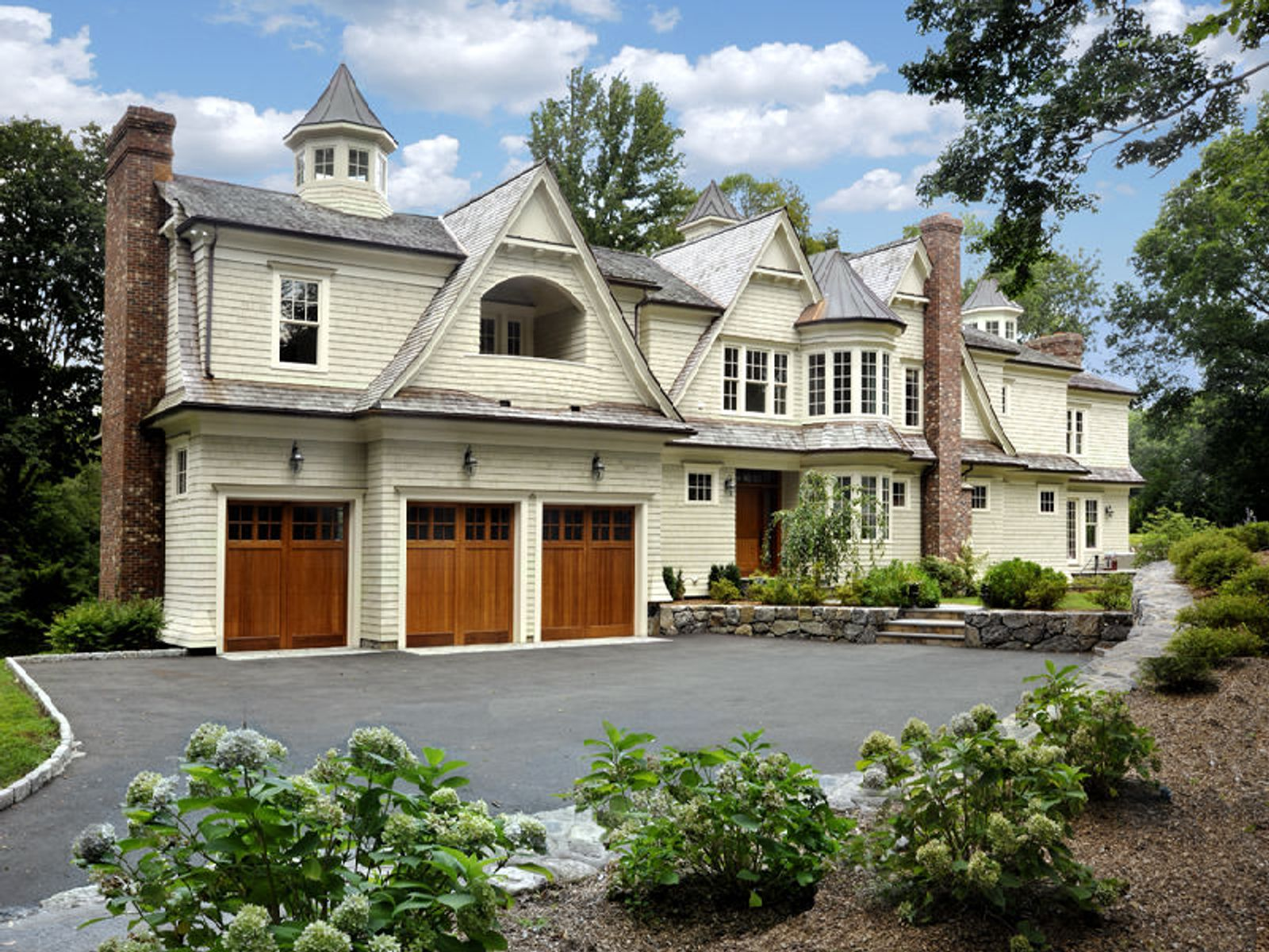 Shingle Style Close to Town, Greenwich CT Single Family Home - Greenwich Real Estate