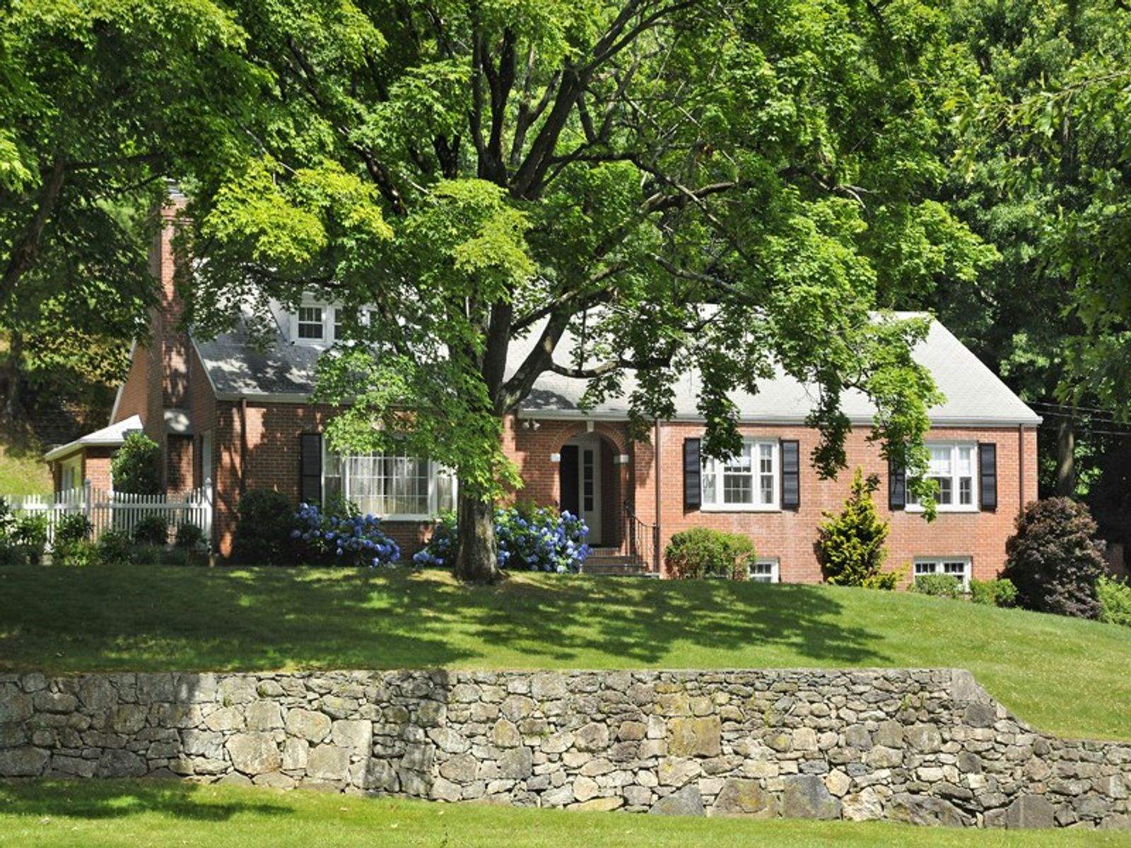 120 Valley Drive, Greenwich, CT