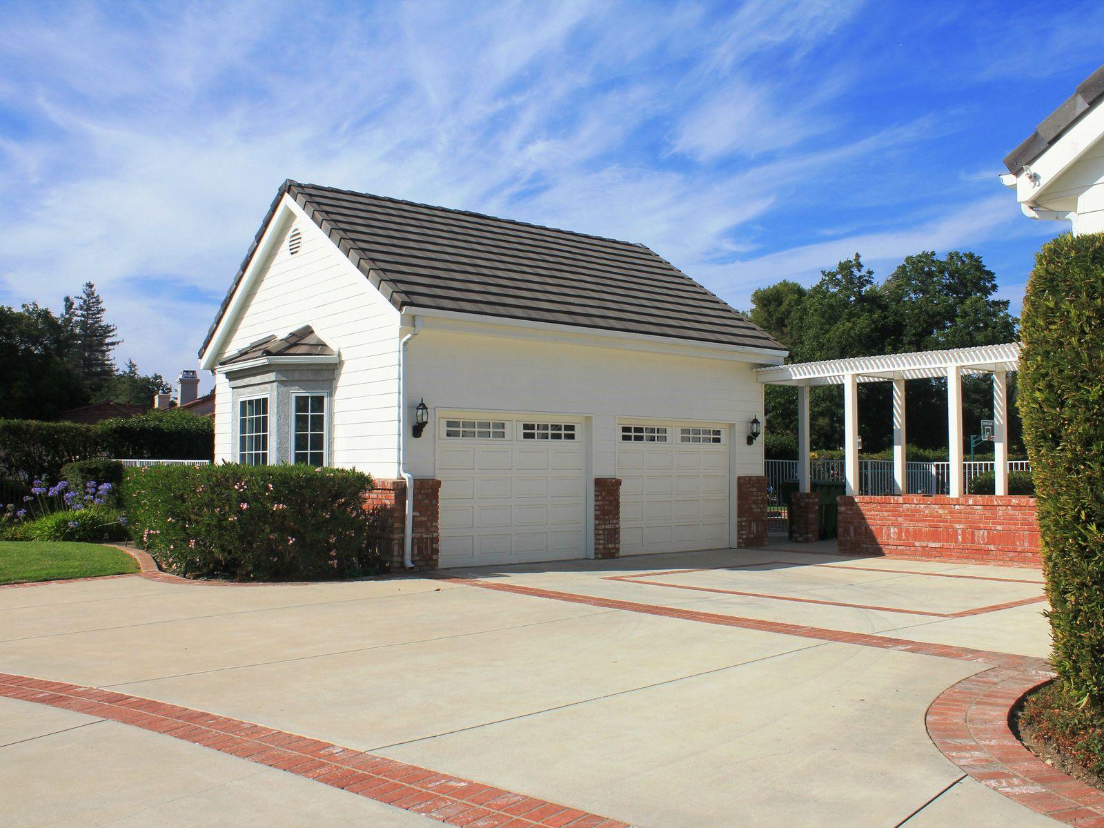 Lynn Ranch Single-story Custom Estate