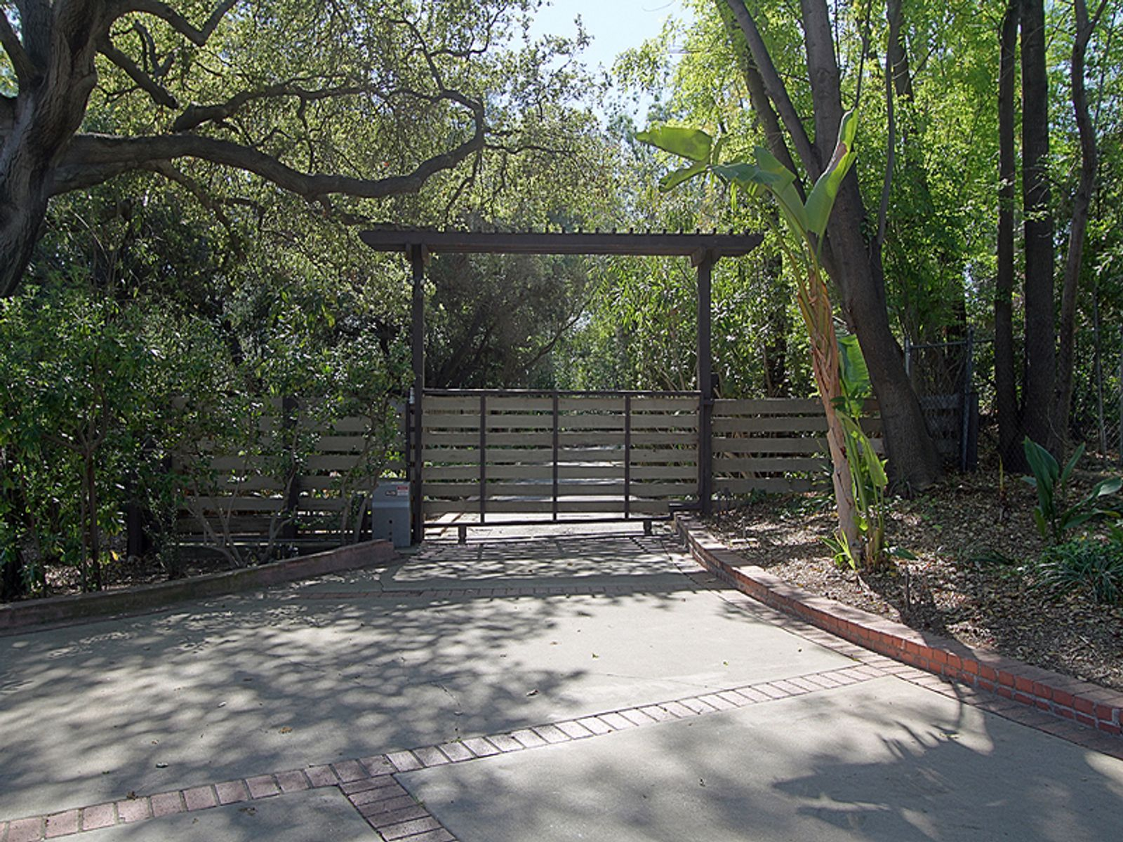 Serene Equestrian Estate , Pasadena CA Single Family Home - Pasadena Real Estate