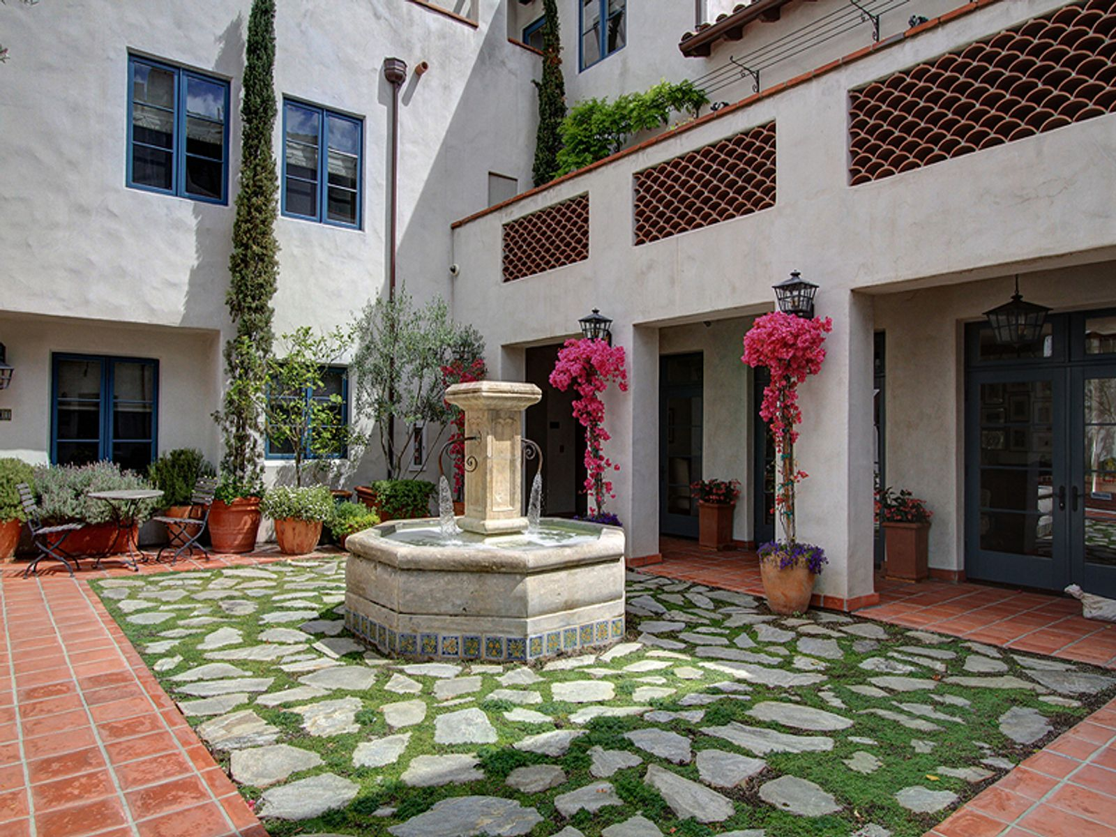 City Pied-A-Terre, Pasadena CA Condominium - Pasadena Real Estate