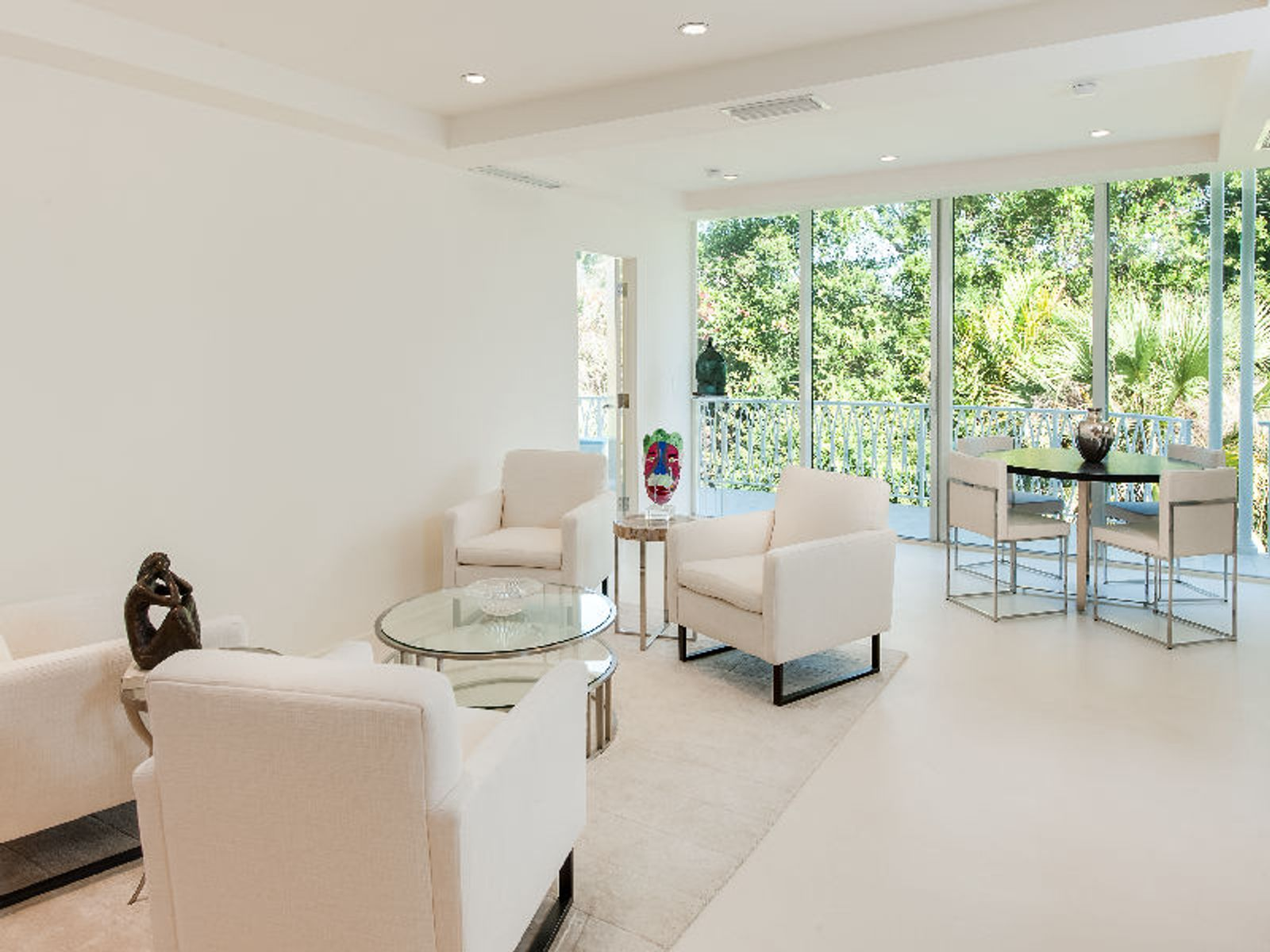 Beautifully Renovated In-Town 3 Bedroom, Palm Beach FL Condominium - Palm Beach Real Estate