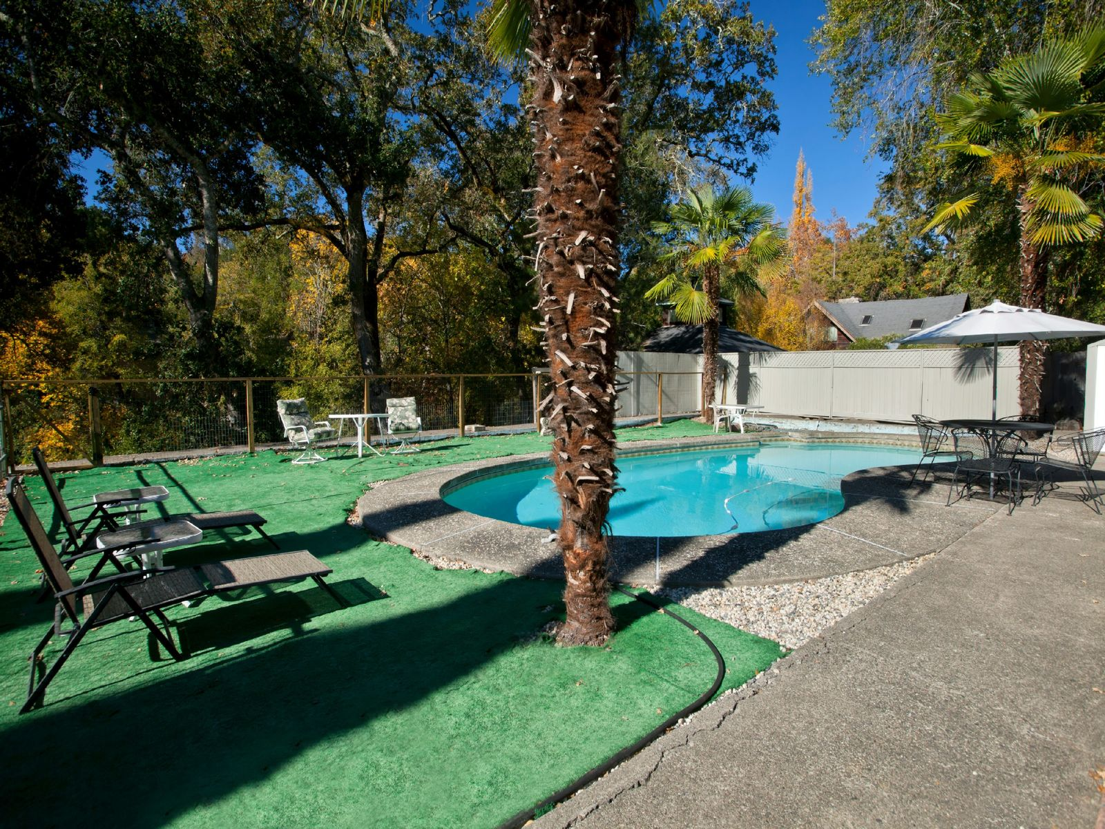Stunning Creek Side Retreat
