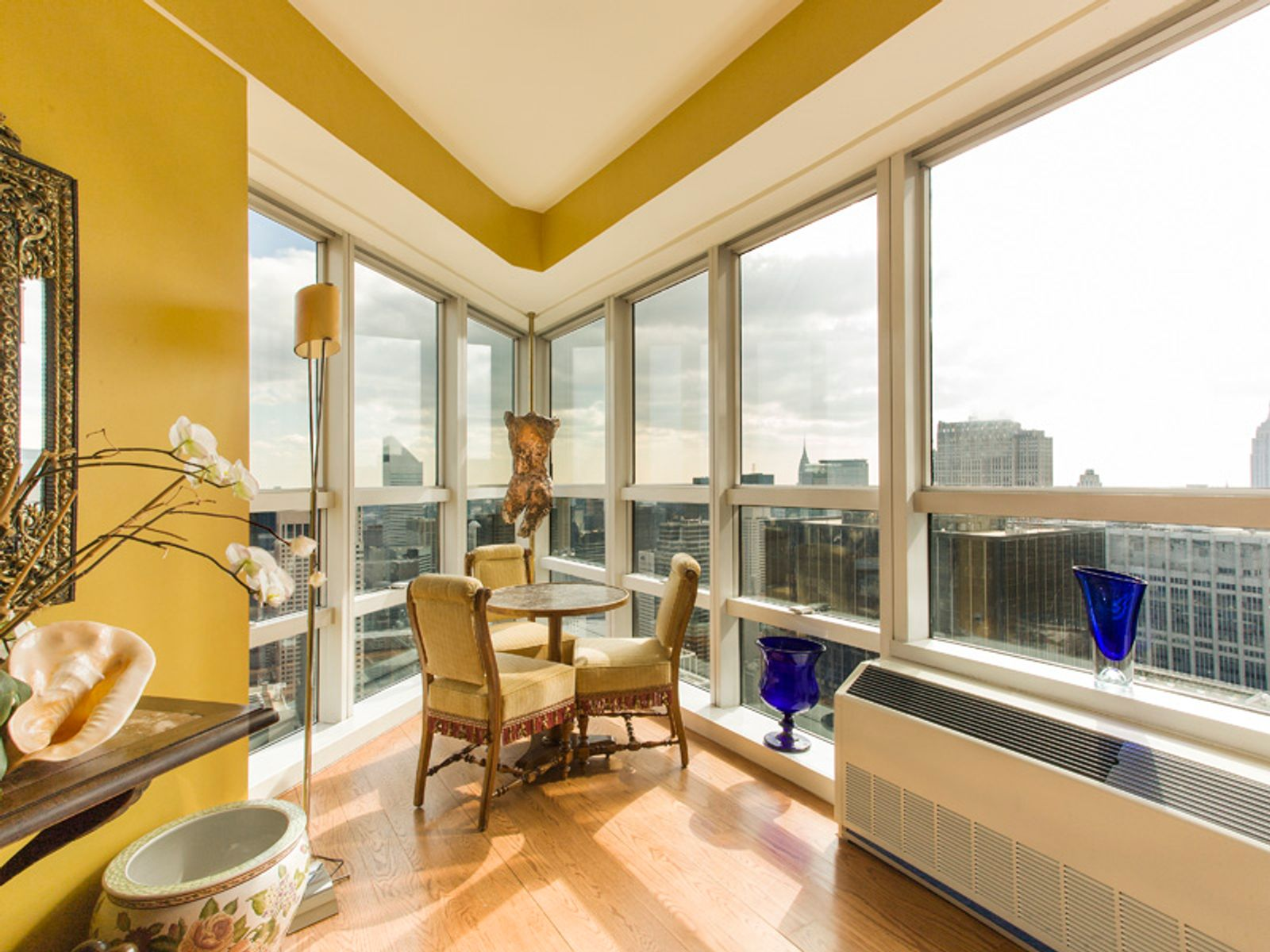 Penthouse Duplex- The Metropolitan Tower