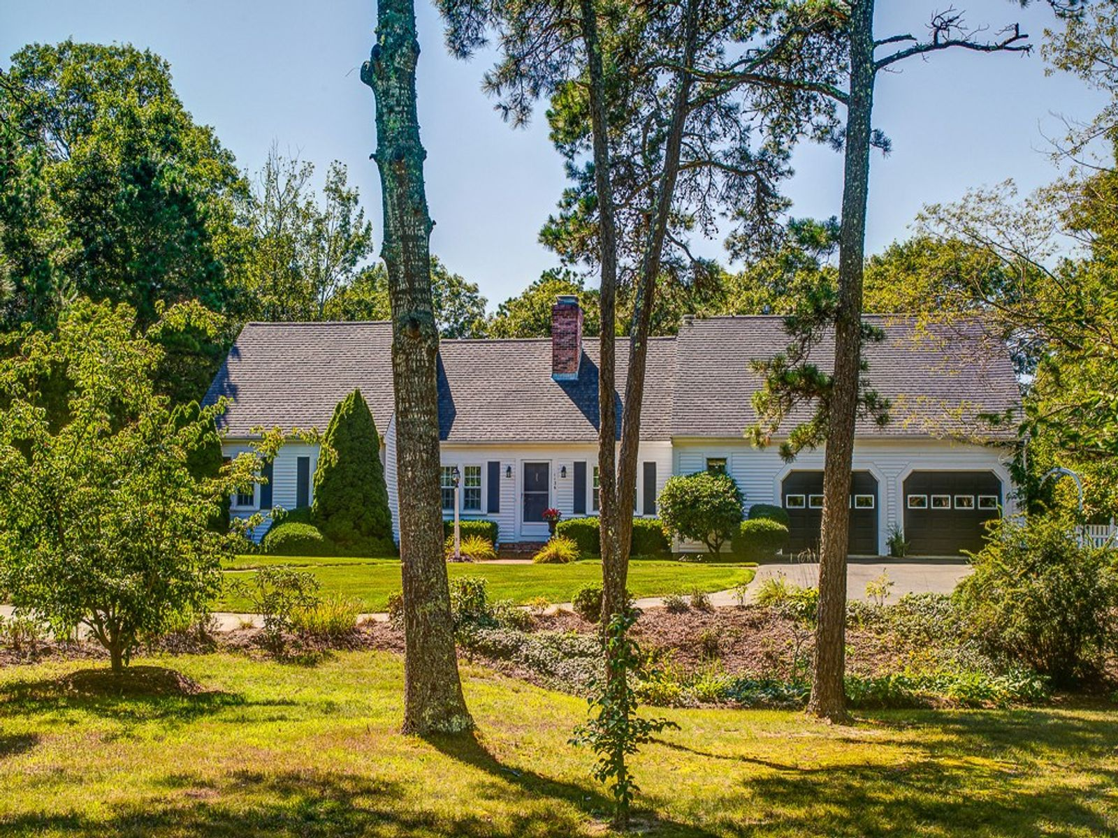 Spacious and Attractive Renovated Cape, Cotuit MA Single Family Home - Cape Cod Real Estate