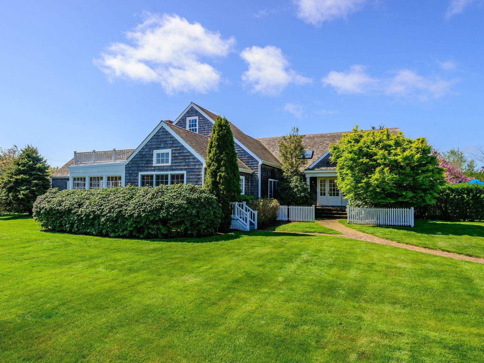 Nantucket-Style Traditional