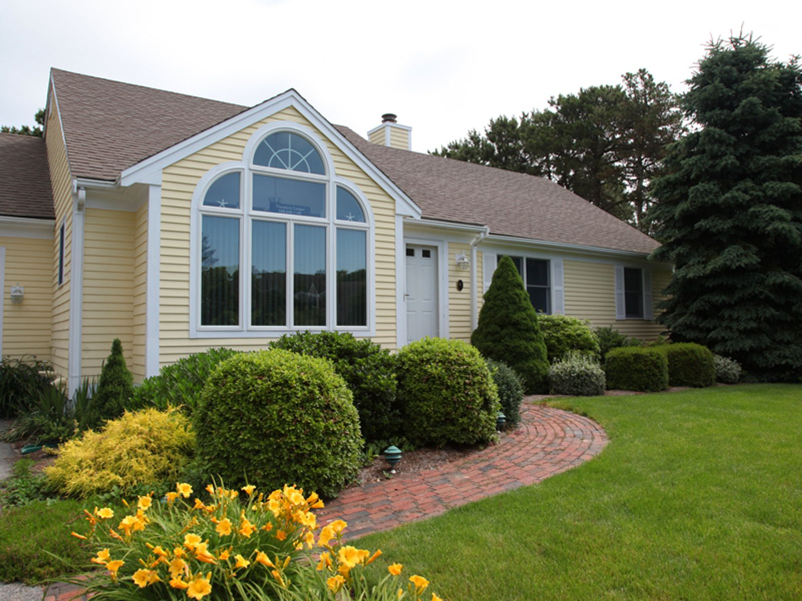 Pristine Ranch, Mashpee MA Single Family Home - Cape Cod Real Estate