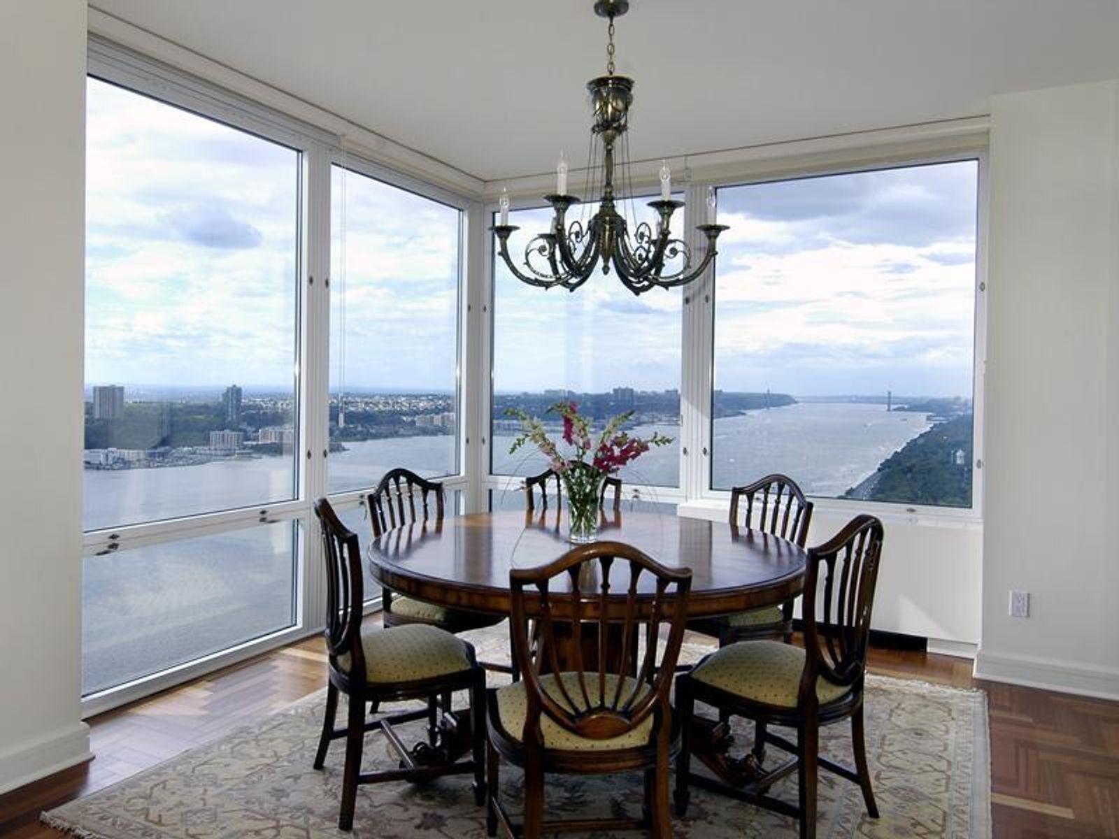 Dramatic Hudson River Views