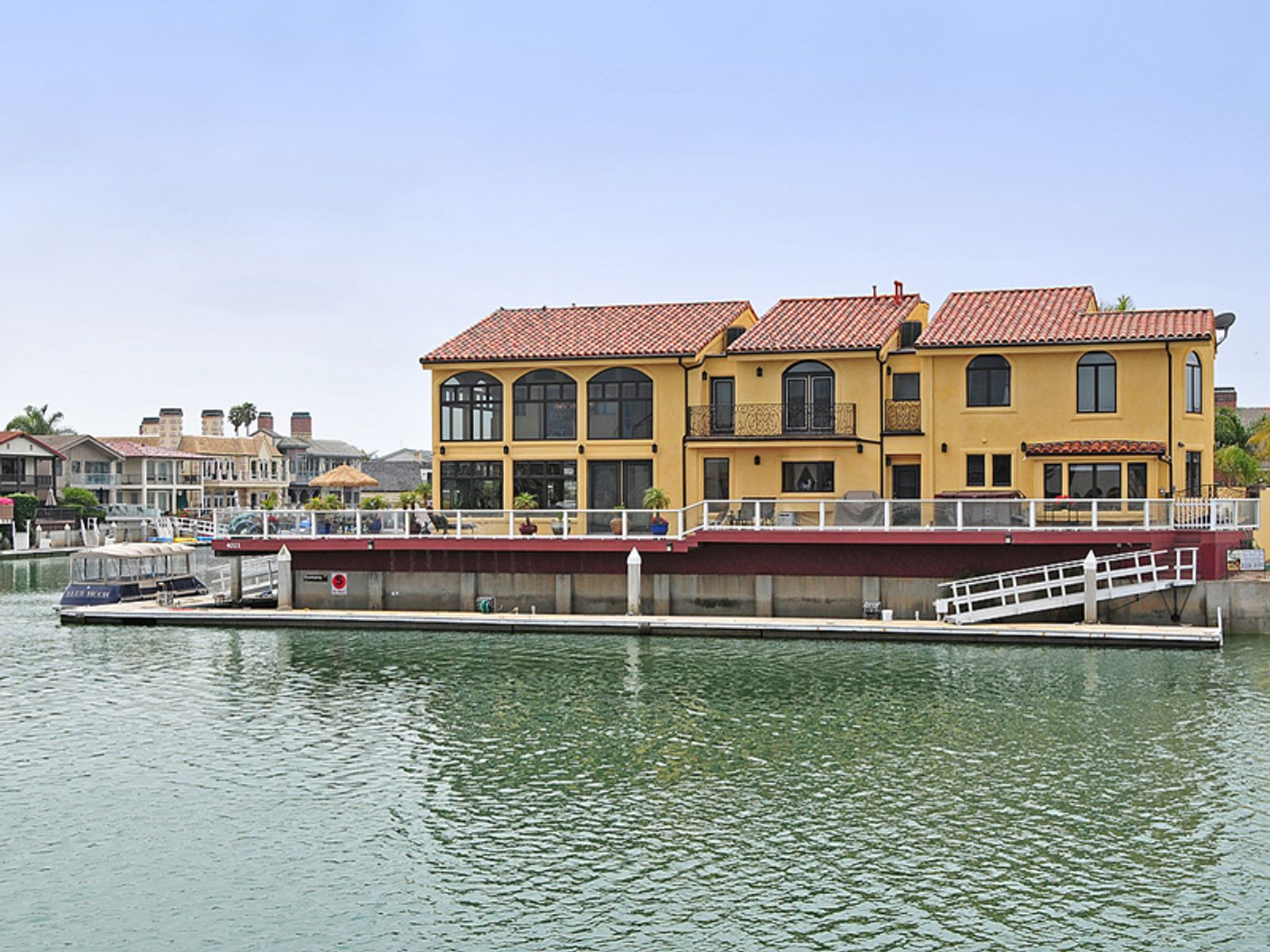 Beautiful Marina Home in Mandalay Bay, Oxnard CA Single Family Home - Ventura Real Estate