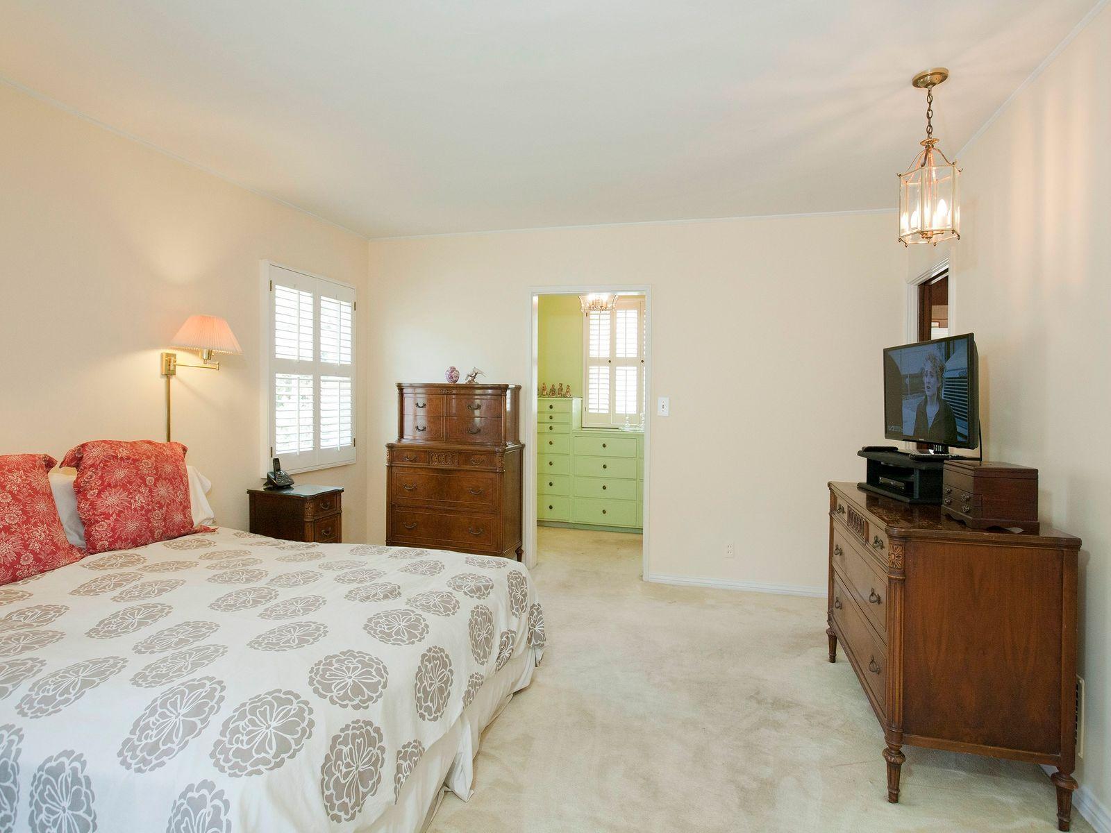 5740 Spring Oak Terrace