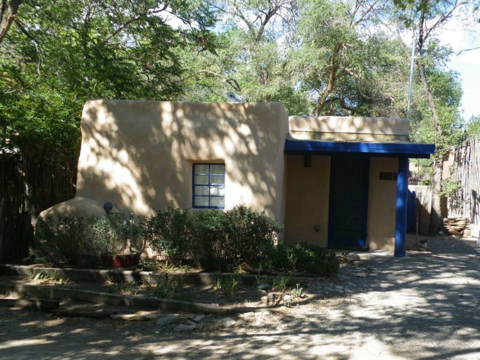 918-A Acequia Madre