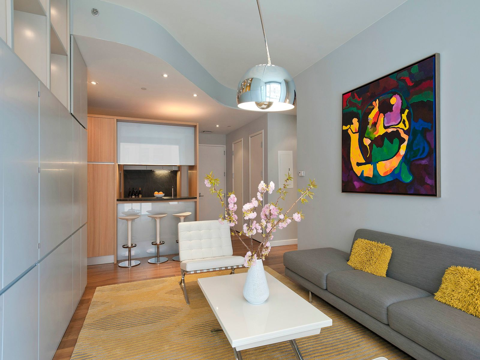 Lofty 2 bed/2 bath at Soho Mews