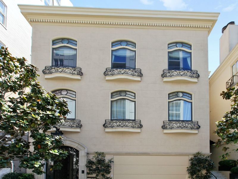 Immaculate Pacific Heights Condo