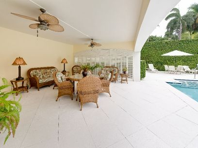 Near Worth Avenue, Palm Beach FL Condominium - Palm Beach Real Estate