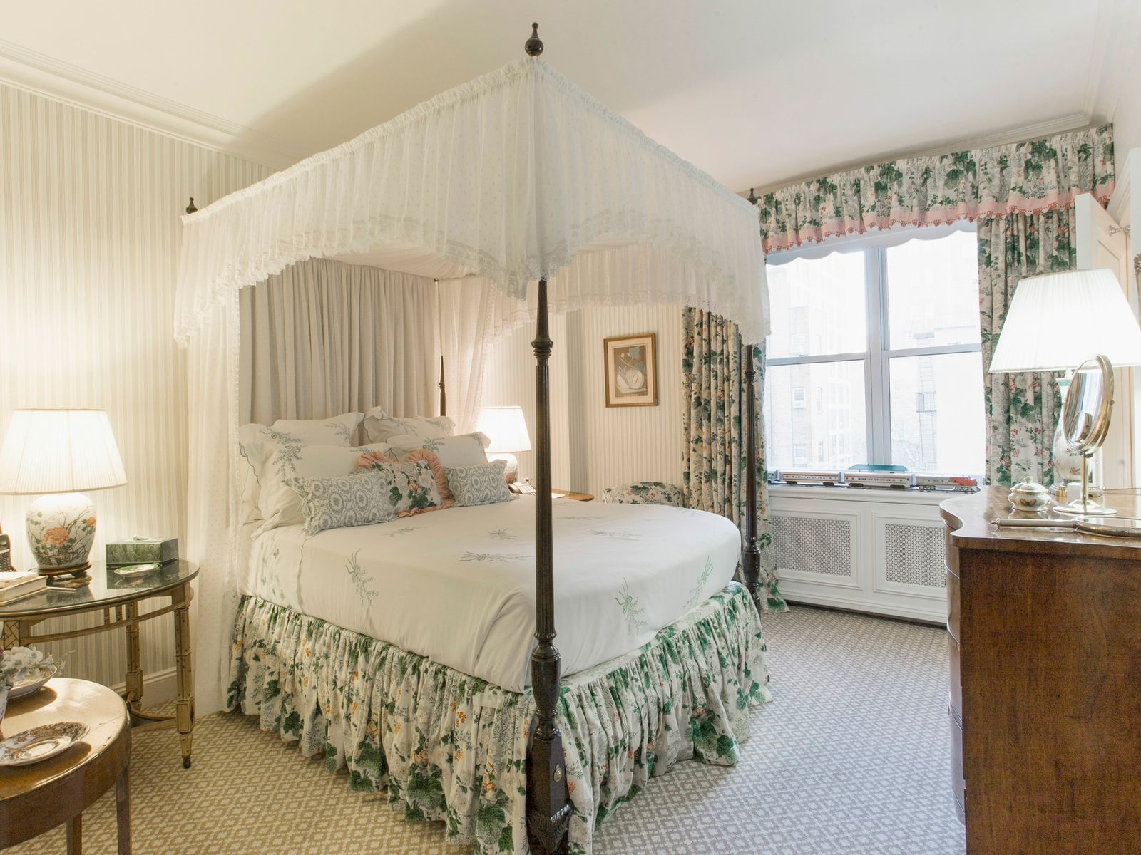 Unique 3-Bedroom Pre-War on Park Avenue