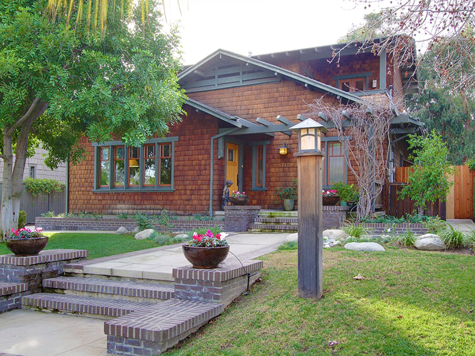 Cal-Tech Neighborhood Craftsman, Pasadena CA Single Family Home - Pasadena Real Estate