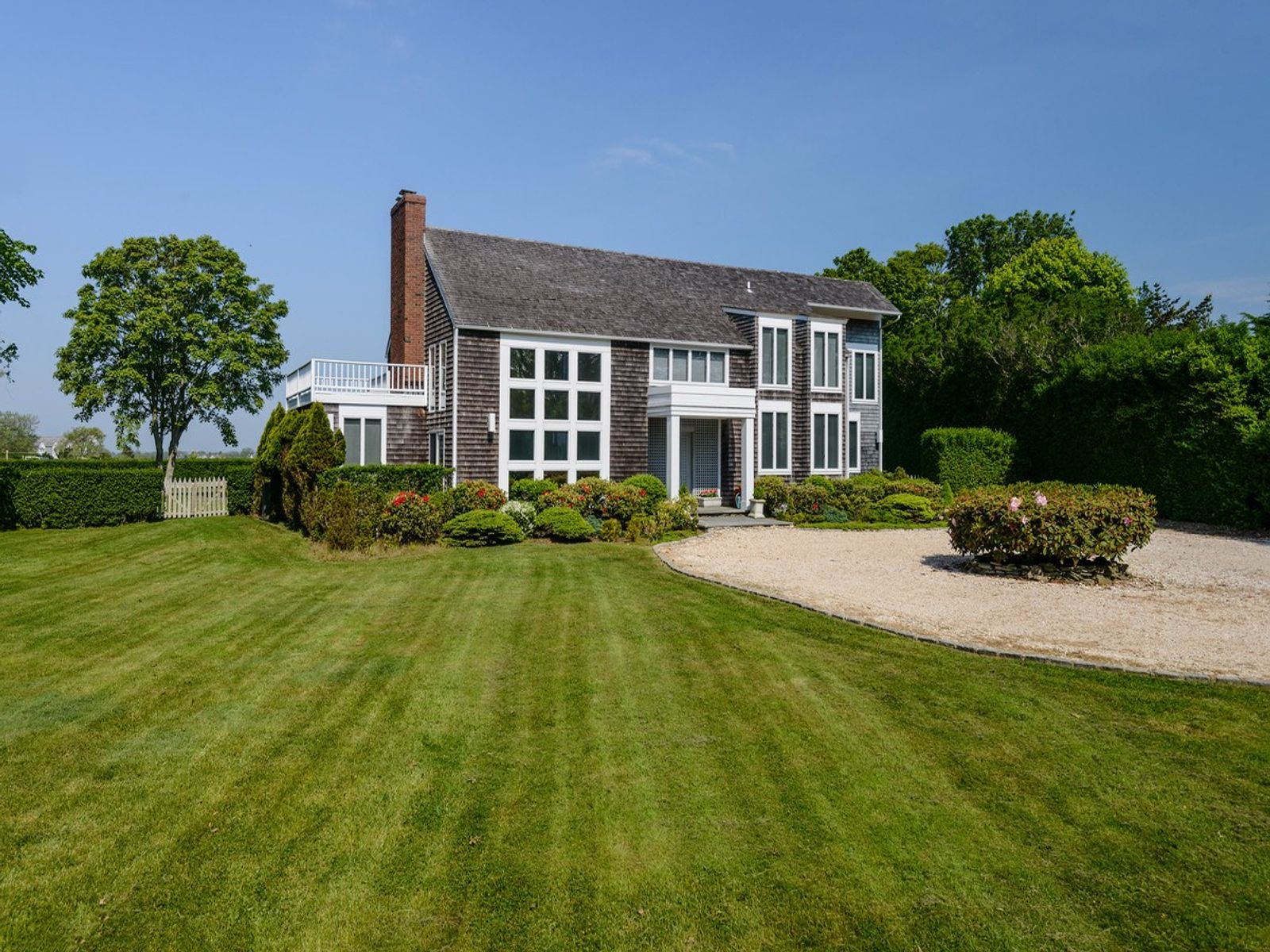 Elegant Traditional, Perfectly Located, Bridgehampton NY Single Family Home - Hamptons Real Estate