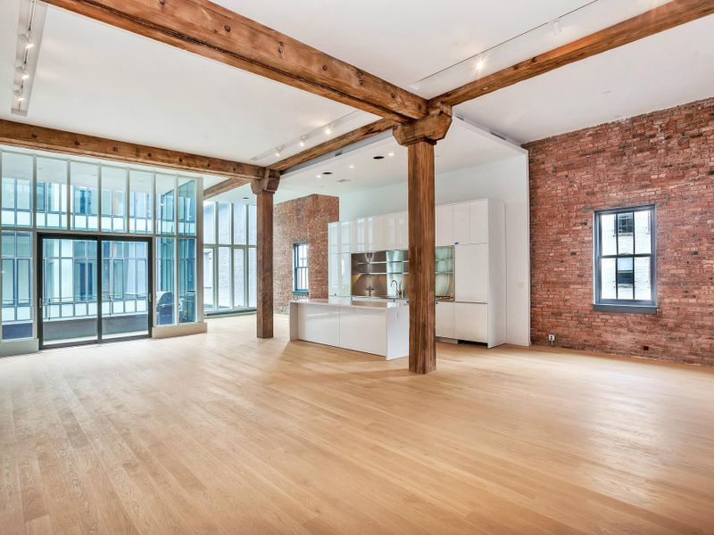 Phenomenal 4 Bed Loft with Terrace