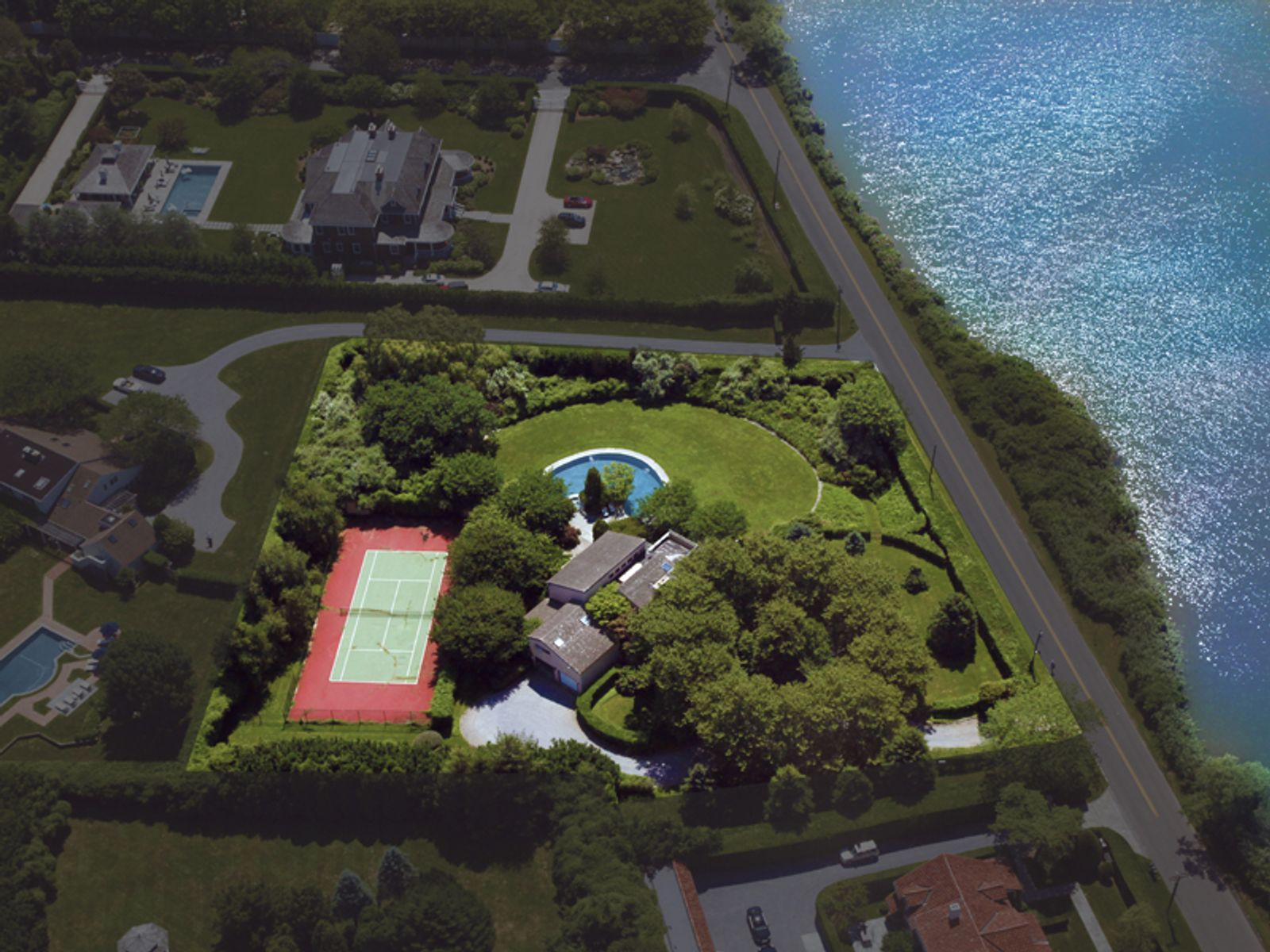 300 Yards From The Ocean, Southampton NY Single Family Home - Hamptons Real Estate