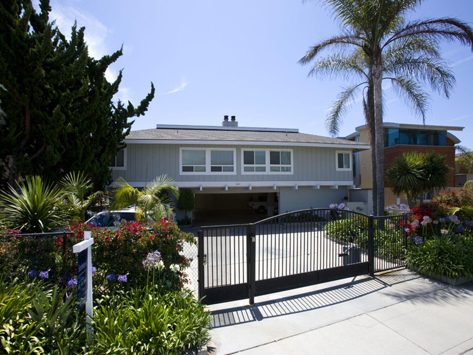 Santa barbara beach getaway carpinteria ca condominium for Real estate in carpinteria ca