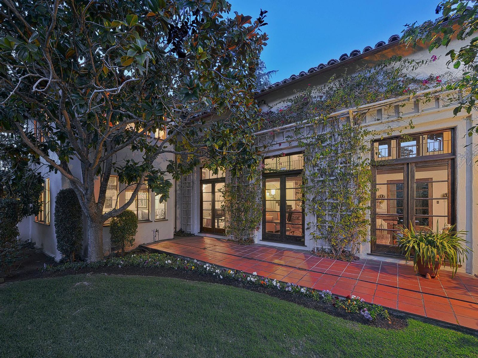 Spanish Colonial Revival Villa