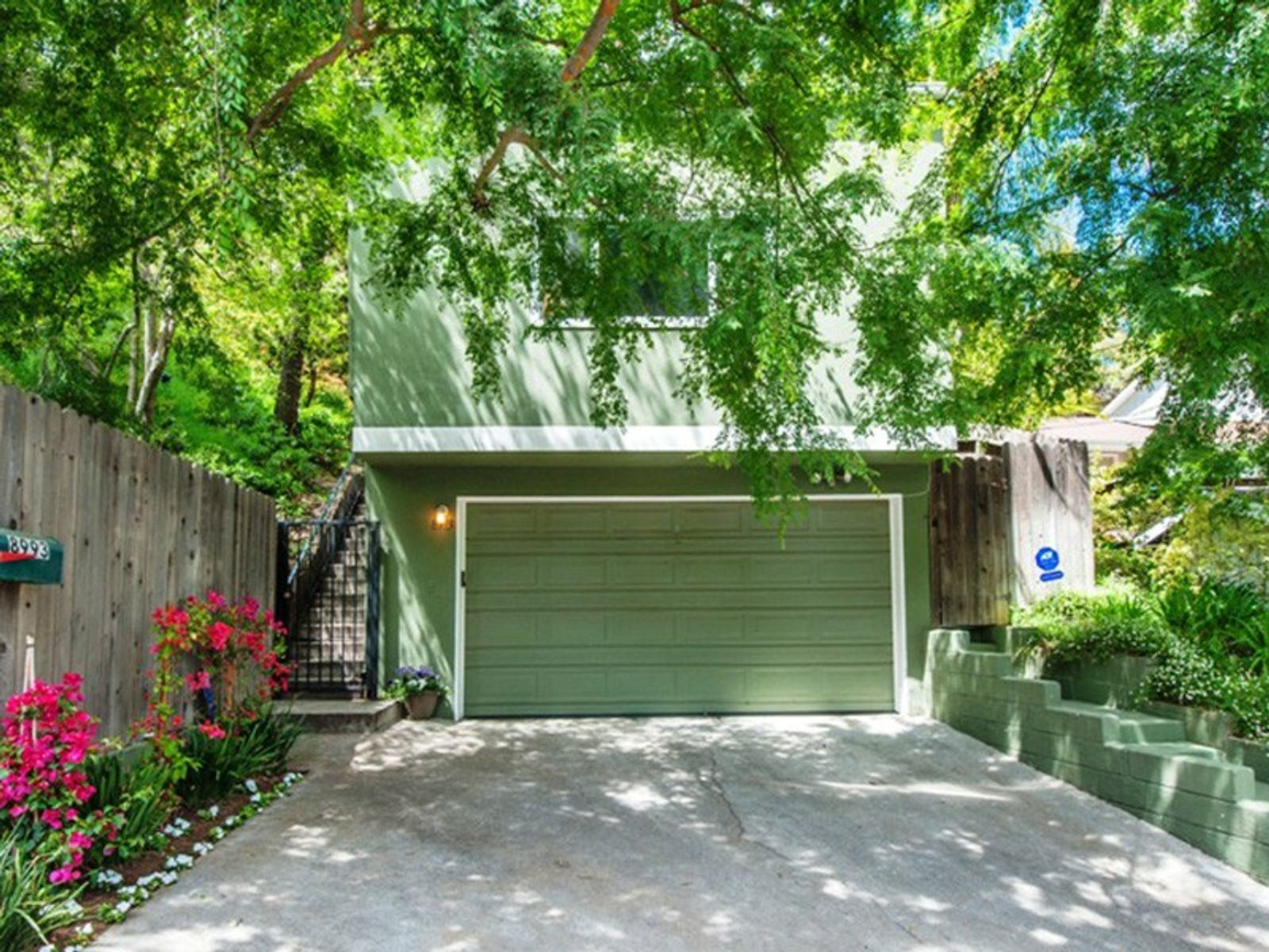 Lovely Laurel Canyon Home, Los Angeles CA Single Family Home - Los Angeles Real Estate
