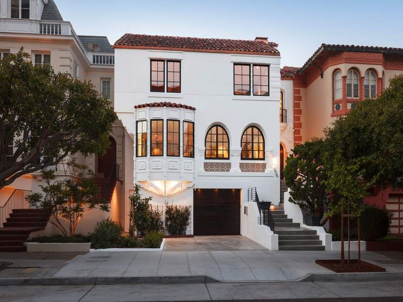 Exquisite Pacific Heights View Residence