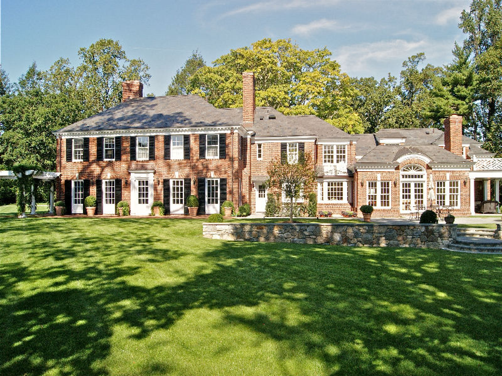 Spectacular Georgian, Greenwich CT Single Family Home - Greenwich Real Estate