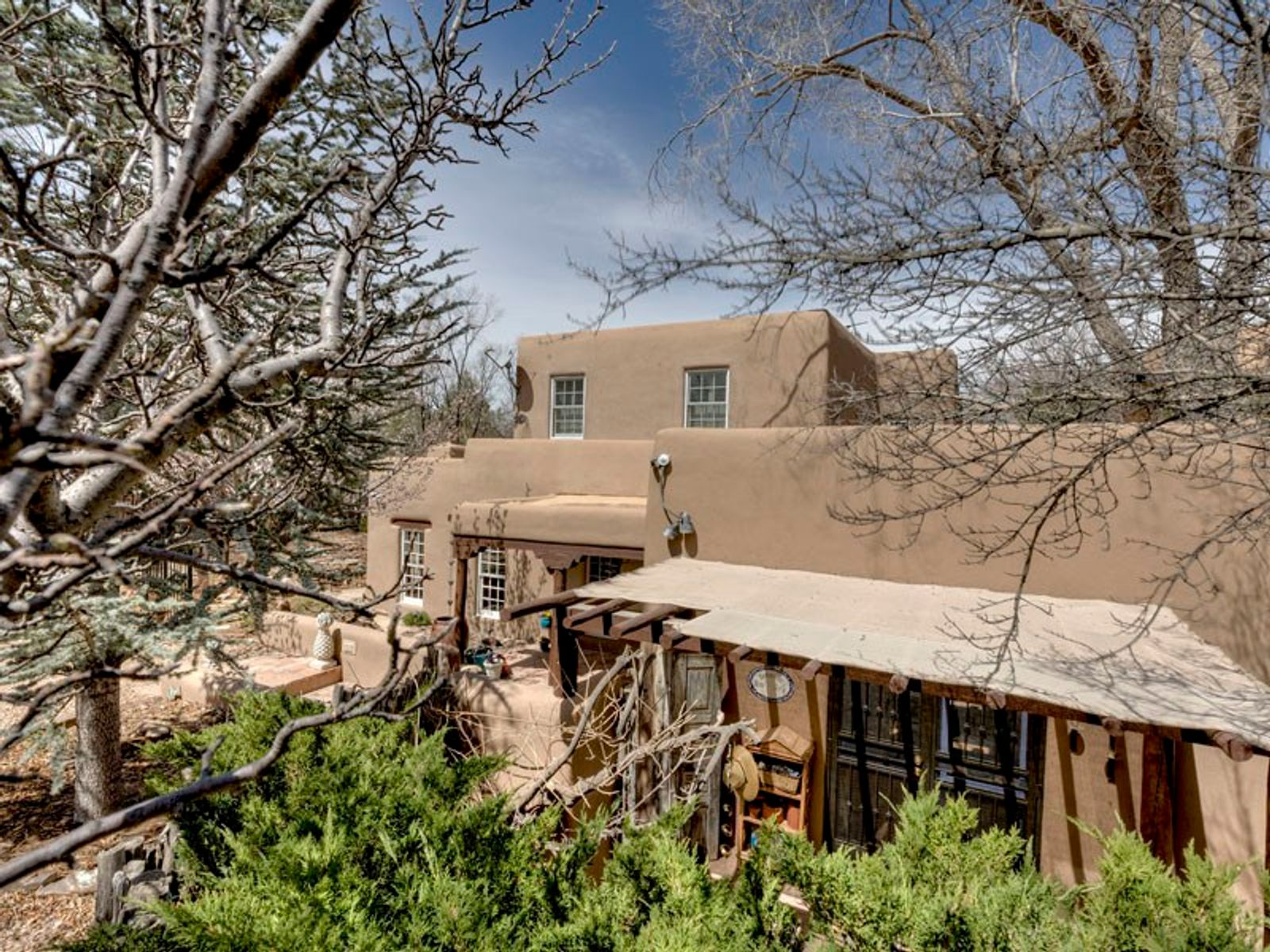 586-1/2 Camino Del Monte Sol, Santa Fe NM Single Family Home - Santa Fe Real Estate