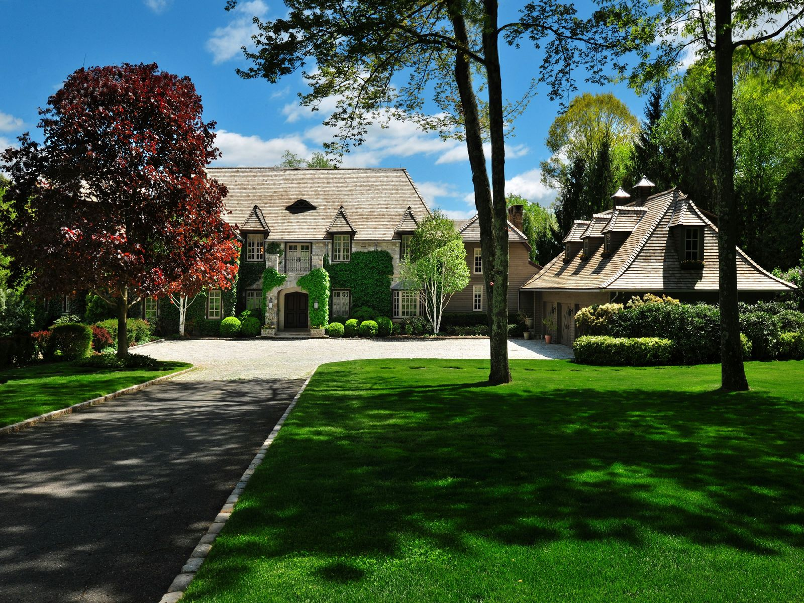 Conyers Farm Lakefront Estate, Greenwich CT Single Family Home - Greenwich Real Estate