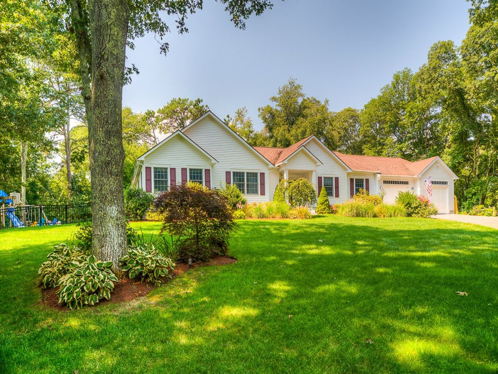 Spacious Indian Lakes Ranch, Marstons Mills MA Single Family Home - Cape Cod Real Estate
