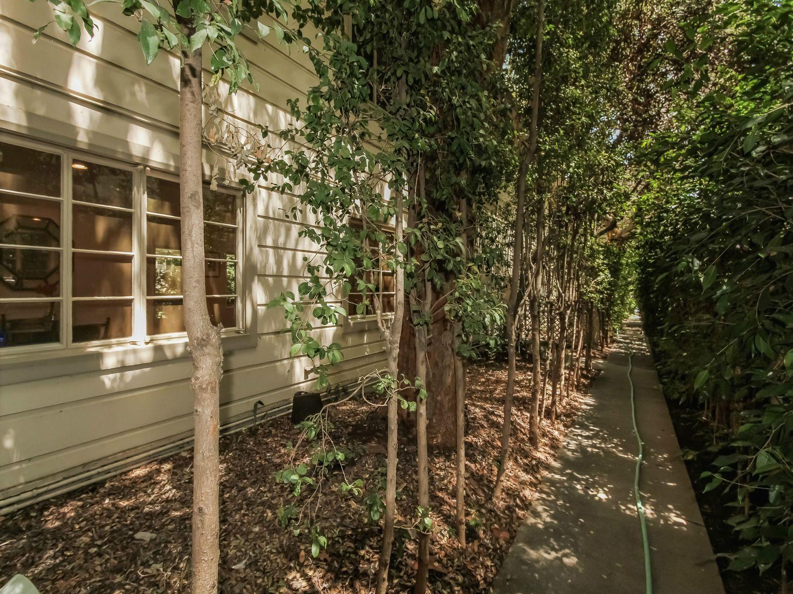 Classic Garden Courtyard Complex