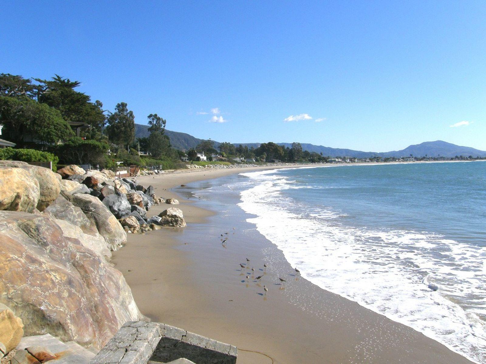Gated Beach Club Road