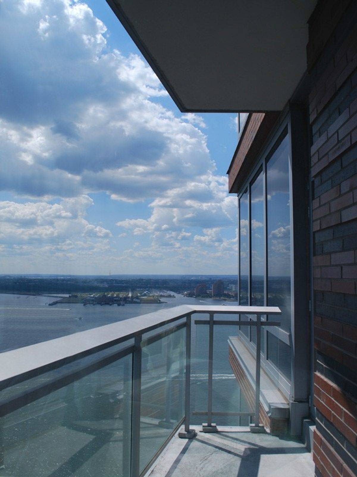 PENTHOUSE WITH PANORAMIC VIEWS