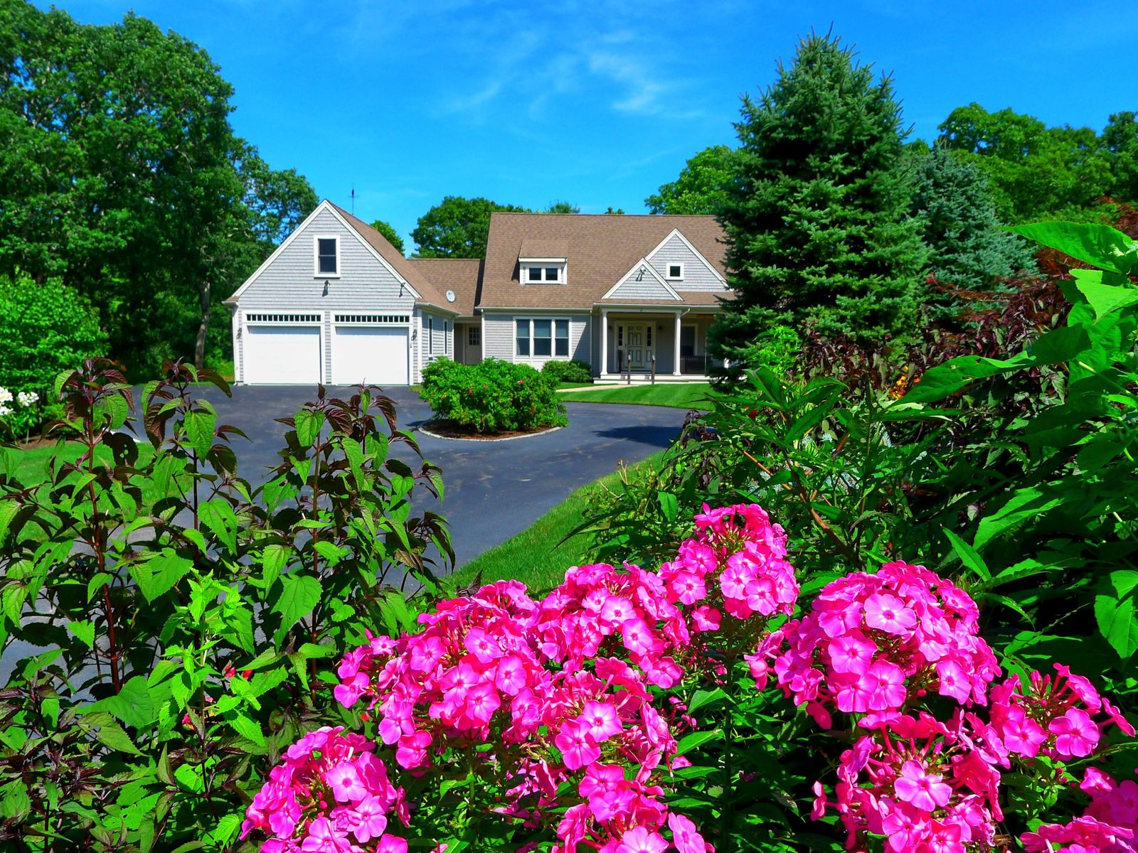 Absolutely Fabulous Cape Cod Home