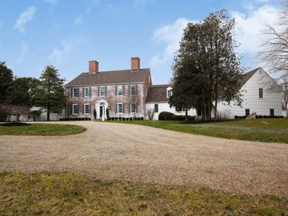 Crown Jewel of Saconessett Hills, Falmouth MA Single Family Home - Cape Cod Real Estate