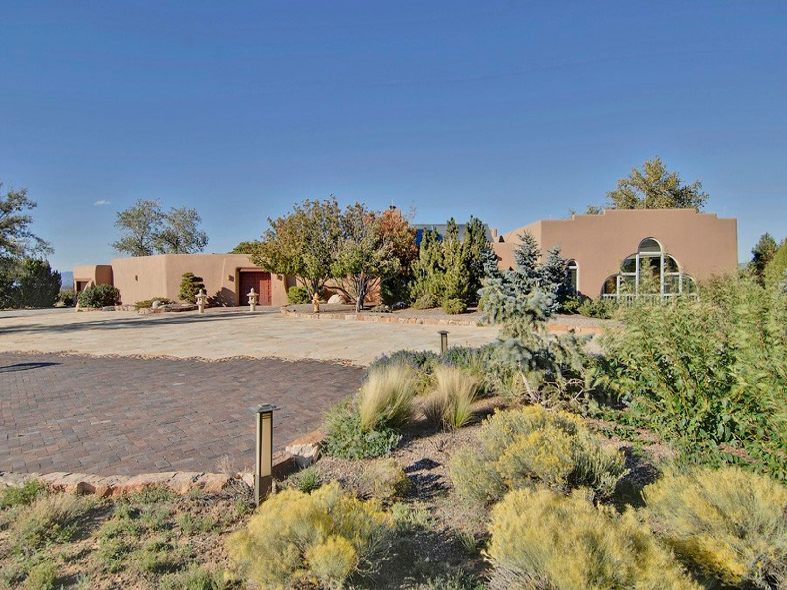 21 Goodnight Trail West, Santa Fe NM Single Family Home - Santa Fe Real Estate