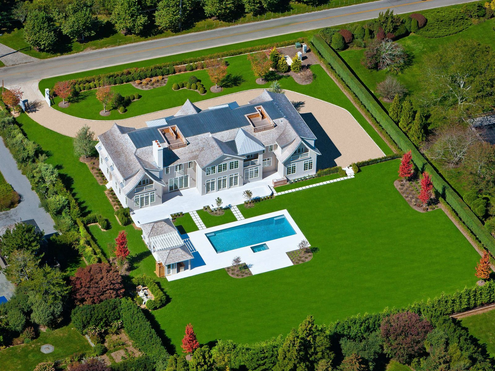 Exceptional New Estate, Close to Ocean